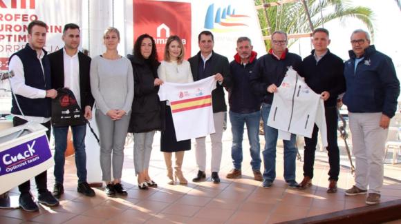(Español) Puesta de largo del Trofeo Euromarina de Optimist con más de 400 regatistas inscritos