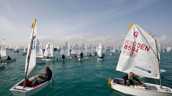 (Español) Alessandro Cortese, Lisa Vucetti y Tim Lubat, campeones del Trofeo Euromarina Optimist Torrevieja