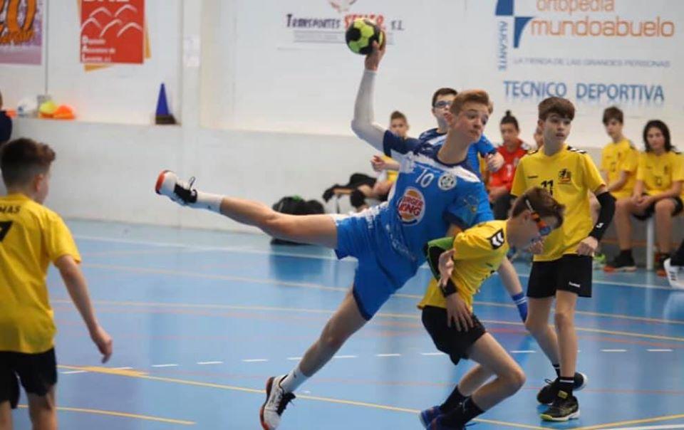 🤾♀️ El Club Balonmano Mare Nostrum Torrevieja mete cuatro equipos de la base entre los ocho mejores de la Comunidad Valenciana.
