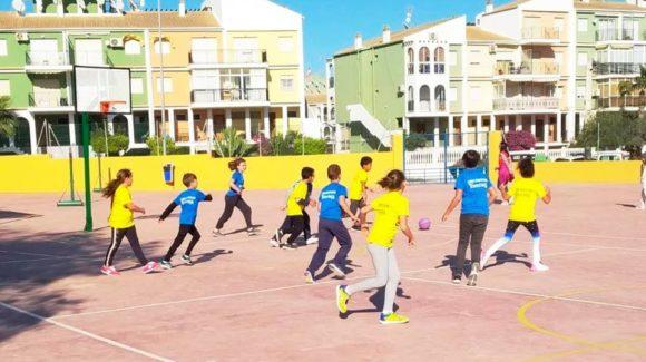 (Español) 🥇 La liga escolar Torrevieja Salud lleva el deporte a más de 500 de alumnos!👏🏻