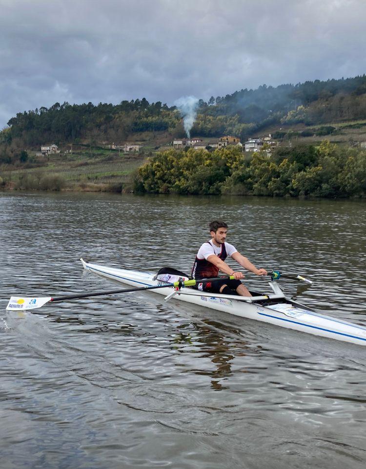 (Español) 🥈Javi García del club de Remo Torrevieja, medalla de plata en el Campeonato de España