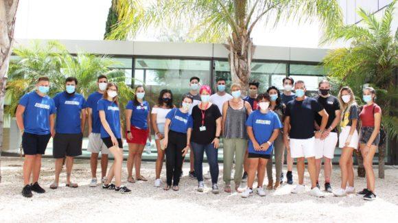 (Español) 🆘 El Hospital Universitario de Torrevieja forma en RCP y primeros auxilios a monitores de la Escuela de verano inclusiva.