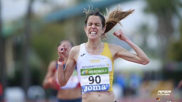 (Español) Chiki Pérez y Maitane Melero, campeones de España de 10.000m en Torrevieja