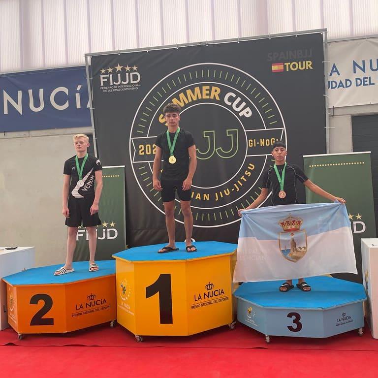 (Español) Club de lucha Sutekh de Torrevieja consigue 🥇oro y 🥉bronce en las modalidades de lucha de brazilian jiu jitsu y grappling